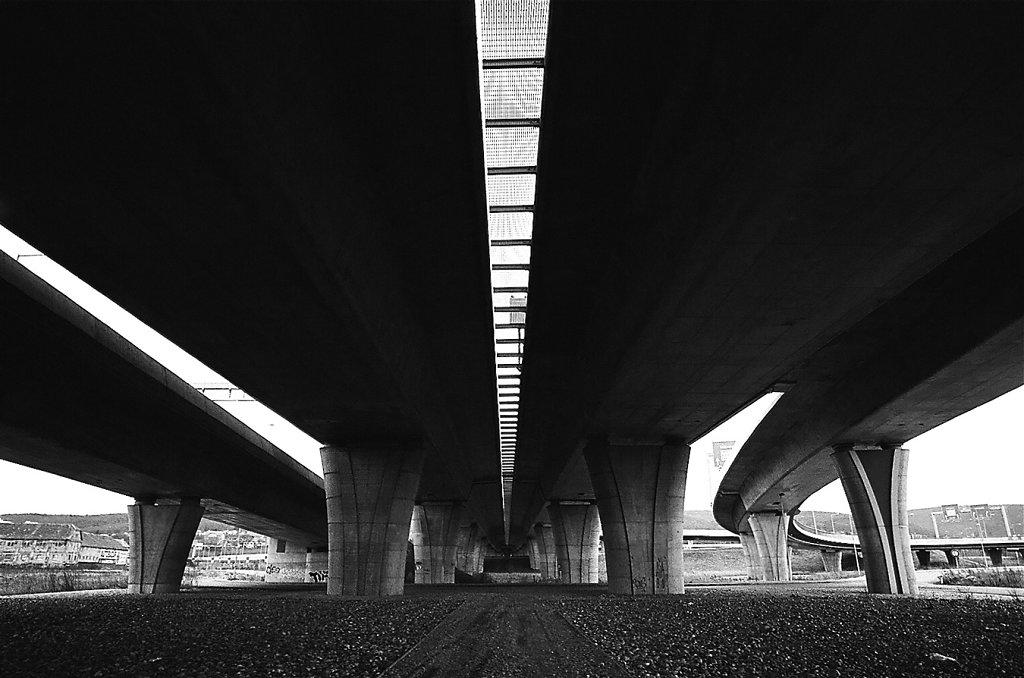 RP-pont-autoroute-H-W-57330017-2-rd1350.jpg