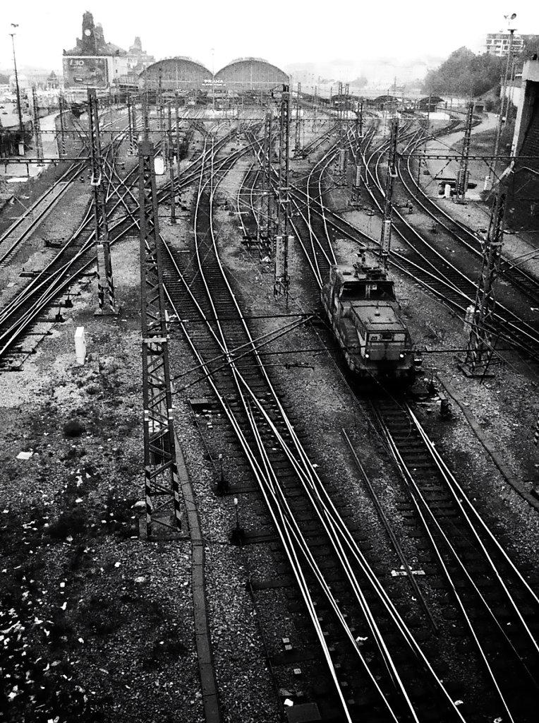 Prg-gare-W-Photo25-25-2-2-rd900.jpg