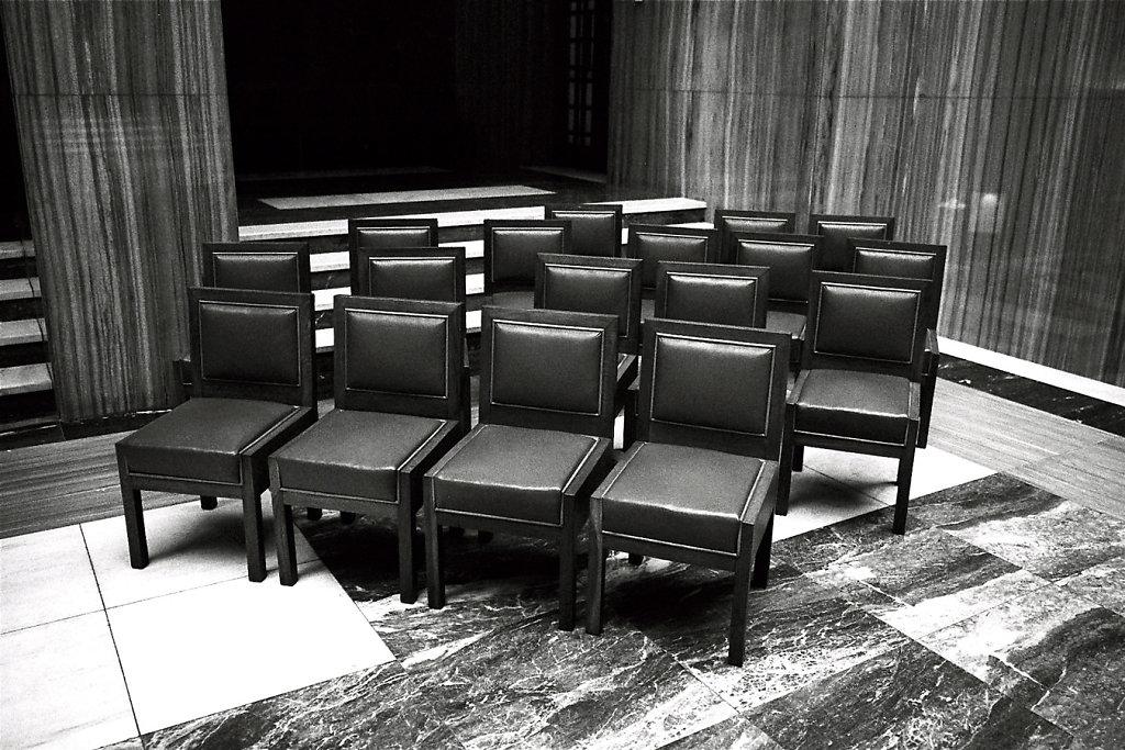 5943-tribunal-kafka-W-Photo10-11-2-rd1350.jpg