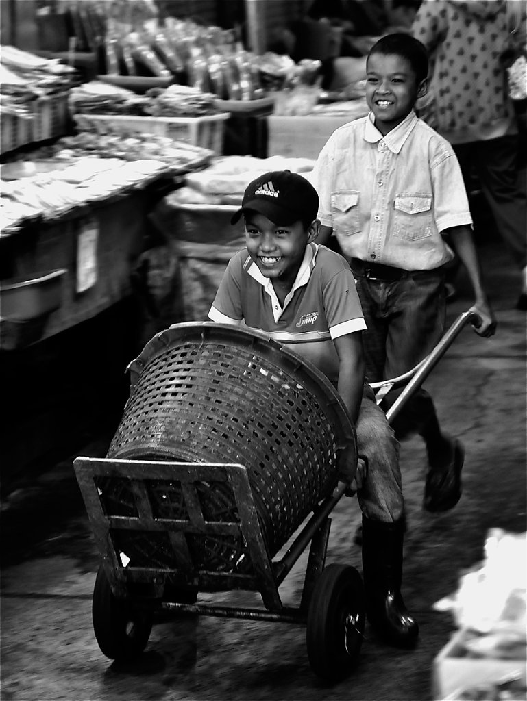 Triporteur-marche-couvert-Chiang-Rai-rd900.jpg