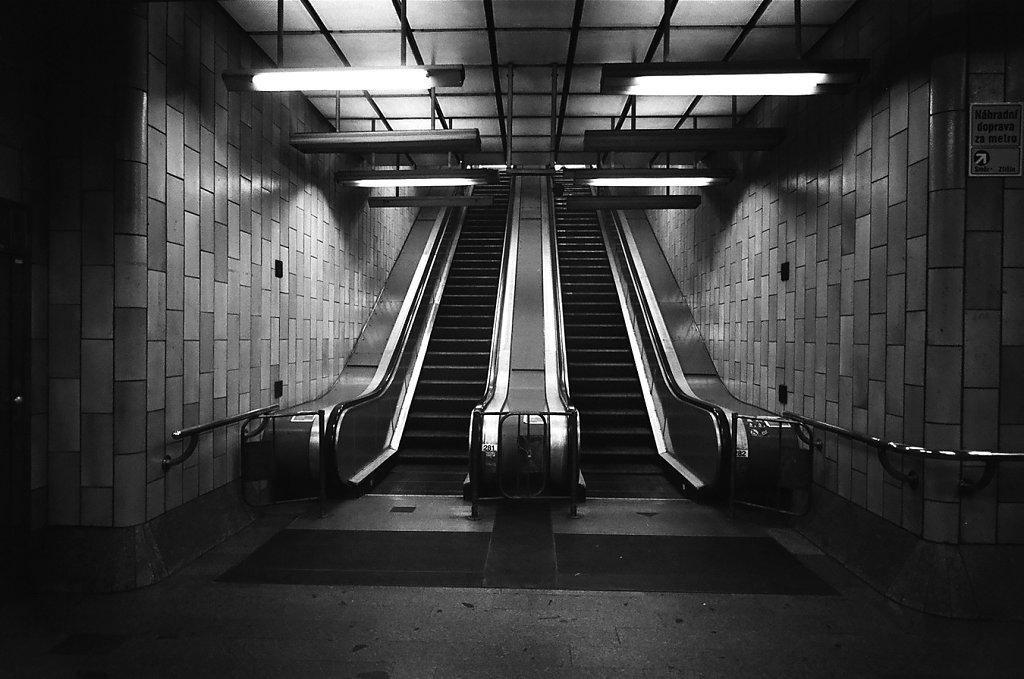 buda-escalators-01060026-2-rd1350.jpg